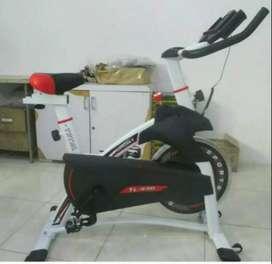 Big spinning bike new TL930
