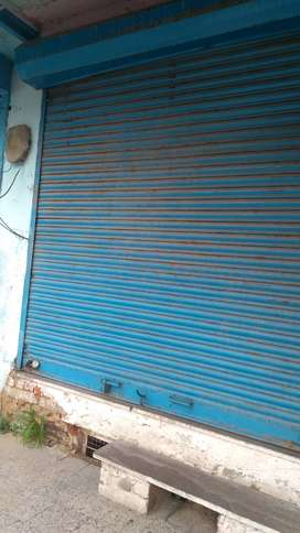 10*10 size shop for rent at main mayo college road