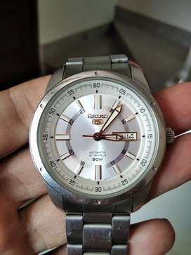 Watche good condition automatic   seiko 5 . 21 jewels
