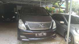 Hyundai H1 XG 2.4 bensin matic 2012