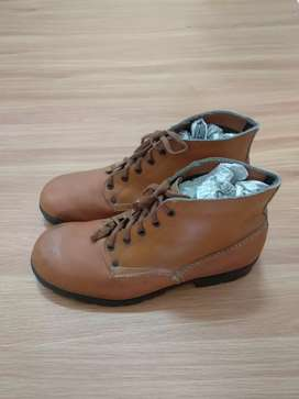 Sepatu boots NN