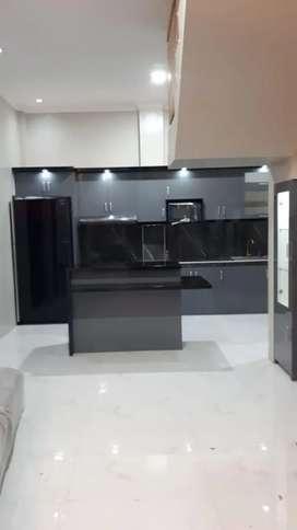 Kitchen set, kamar set, lemari pakaian minimalis HPL