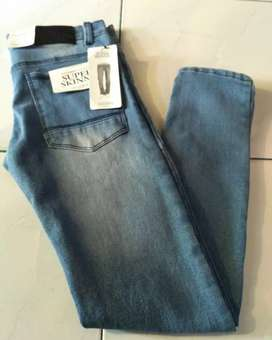 Celana jeans slimfit