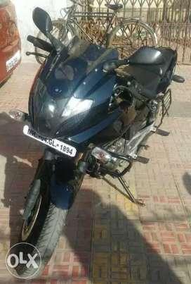 Bajaj Pulsar 220 on Immediate Sale !!