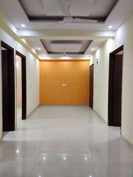 3 BHK builder flat in Vishnu garden,Ggn