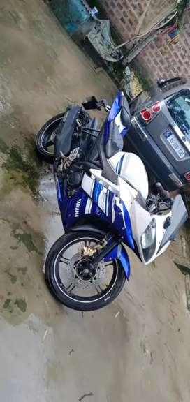 Yamaha R15 2015 model