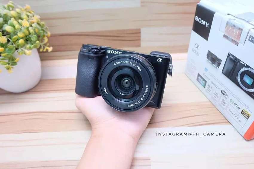 Sony A6000 lensa 16-50 oss black fullset kondisi seperti baru 0