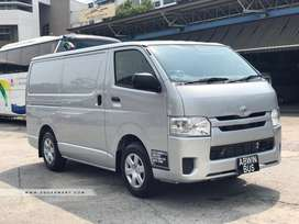 Toyota Hiace Grand Cabin Ab Len Sirf 20% Down Payment Per