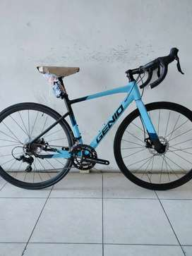 Sepeda balap Genio Breaker 2.0