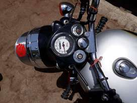 Royal Enfield Classic 350 12400 Kms 03-2017 year (vimo 03 2019) last