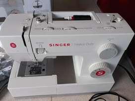 Singer heavy duty 5511
