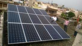 Stock clearance sale for 100 watt solar panel with attractive price .