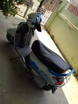 Mahindra Gusto 125 white model ,in best condition