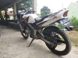 Kawasaki ninja r 2014