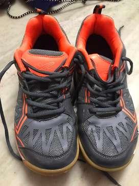 XPD non marking shoes for Badminton