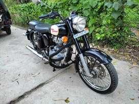 Bullet Clasic black Good condition, Ghat chalila, B