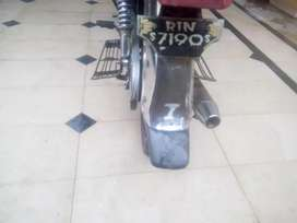 Document clear.Engine very good.geniune saman available.2011 model
