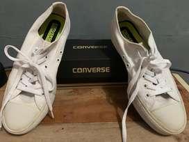 Sepatu converse full white