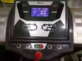 Ranker Treadmill 2.75hp moter 150kg weight supported
