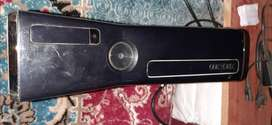Xbox 360s in good condition 10/9 free games cds and 250 GB hard disk.