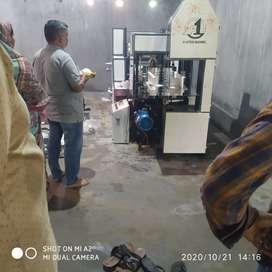 Tissue machine operator