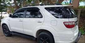 Toyota Fortuner 2.7 V 2011