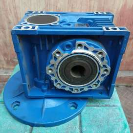 Gearbox NMRV 063 ratio 40 hollow shaft