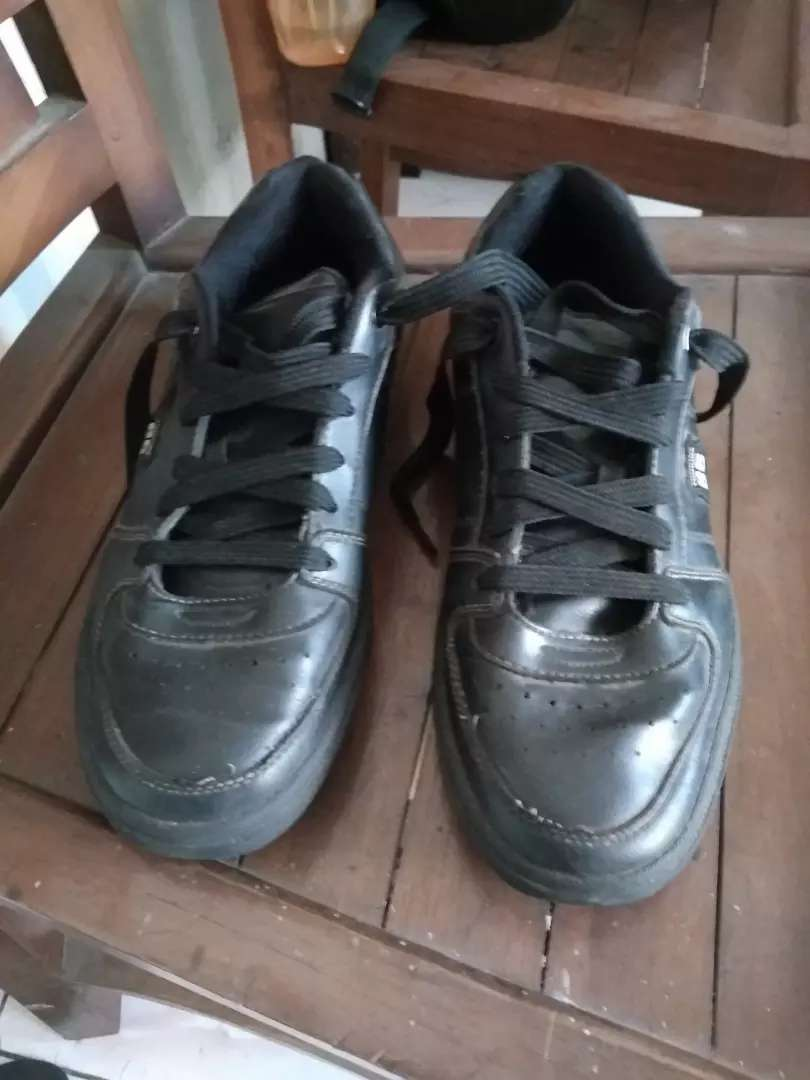 Jual sepatu bola & kets tomkins 0