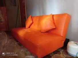 Sofa Bed bekas seperti baru masih pkaai plastik warna limited edition