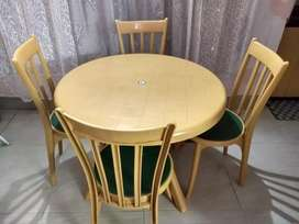 4 Seater Nilkamal Dining Table and Chair