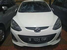 Mazda 2 R at 2012 putih km 70 rban