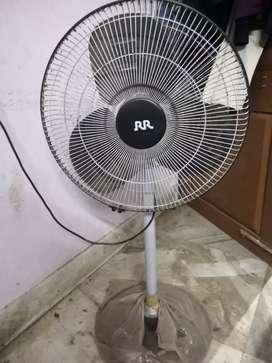RR stand fan
