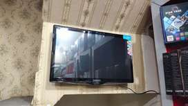 """Smart LED TV 26""""to 40"""""""