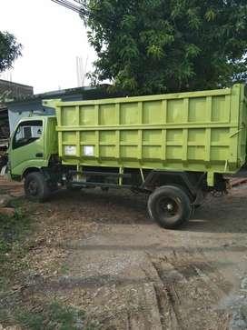 Dijual truk Hino milik pribadi