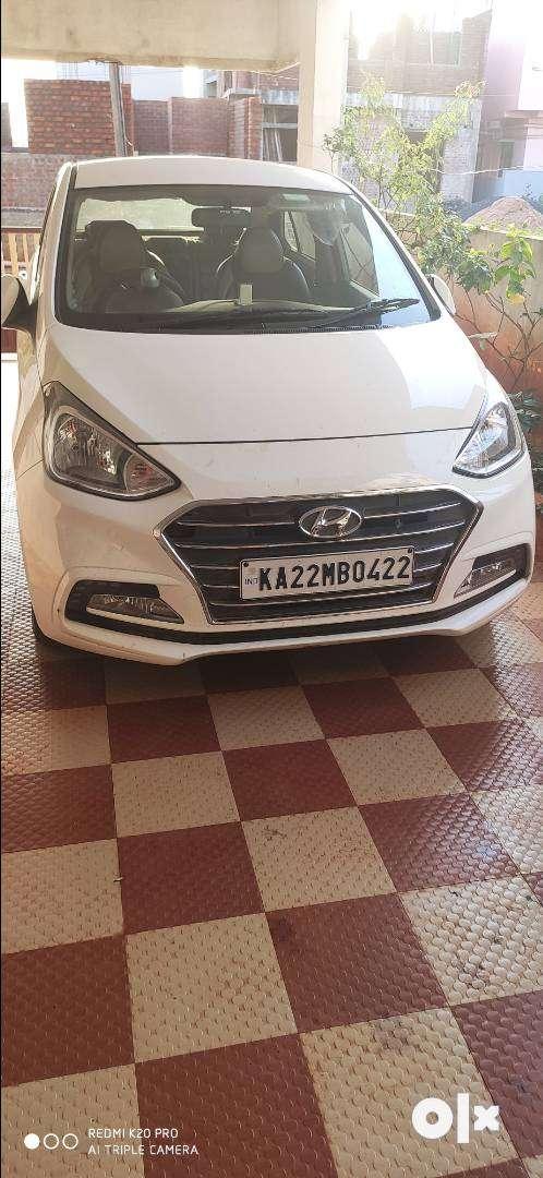 White colour car for sale 0