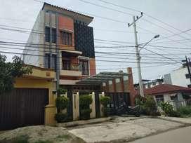 Rumah Nyaman dengan Kolam Renang @ Setia Jadi