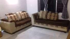 L safe Good  Codition Sofa set