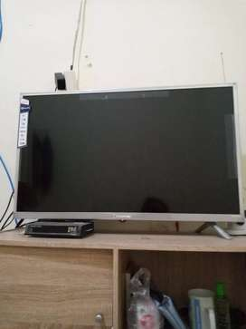 LED tv Chang Hong 32""