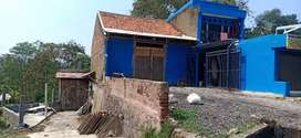 Gudang + tempat tinggal + pabrik kerupuk kulit