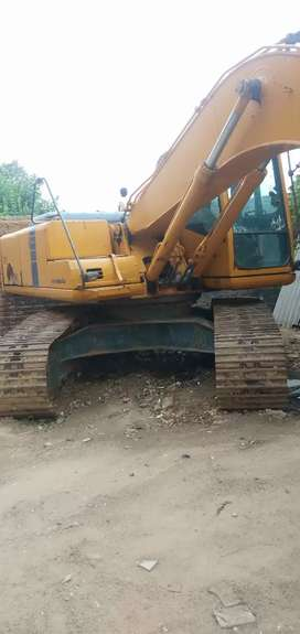 L&T Komatsu PC 200 Excavator/Poclain