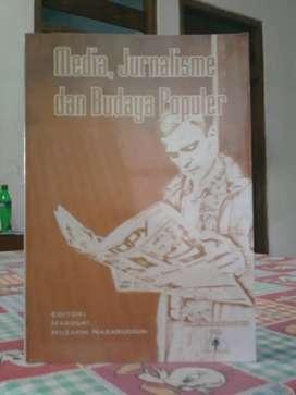 Buku Media , Jurnalisme dan budaya populer