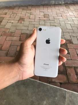 iPhone 8 64GB / visit our ahop in patoo panjim