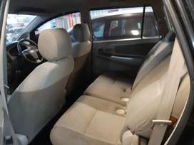 Toyota Grand Kijang Innova 2.0 E 2013 Bensin MT Manual Hitam Istimewa