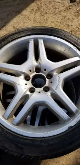 Mercedes Alloy Rims with Tyre.