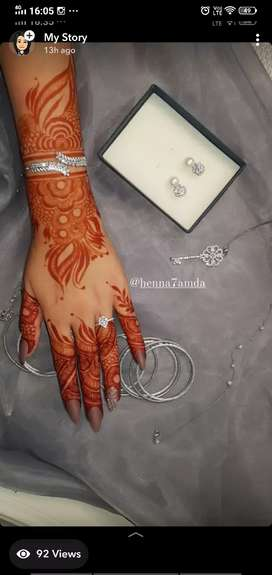 Mehandi artist and tailor