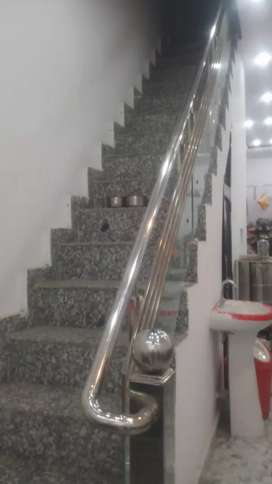 Shop for sale in namak mandi near ram halwai