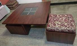 Coffee table with 4 chairs