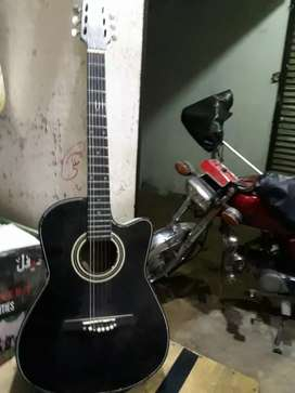 Accoustic gitar Medium..