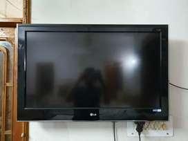 "LG LCD TV - 40"""