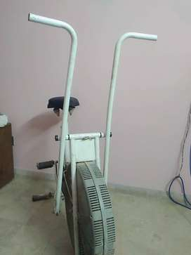 Exercise cycle in good condition